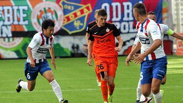 Krzysztof Piątek (w środku) w meczu Zagłębia Lubin w 2015 roku