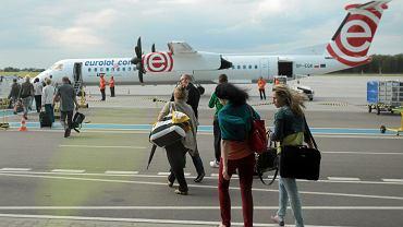 Rząd planuje wstrzymać loty krajowe