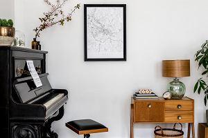 Dlaczego minimalistyczną grafikę warto wybrać do domu? Mniej znaczy więcej