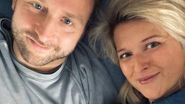 Borys Szyc został ojcem. Dodał zdjęcie z ukochaną i synem oraz zdradził imię dziecka. Posypały się gratulacje