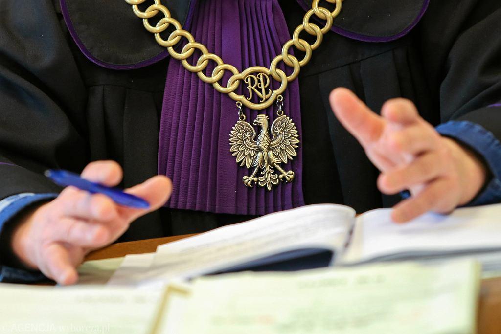 Rozprawa w sądzie. Zdjęcie ilustracyjne