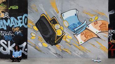 Graffiti kolektywu 'Les Frigos' w Paryżu.