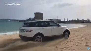 Range Rover Evoque na plaży