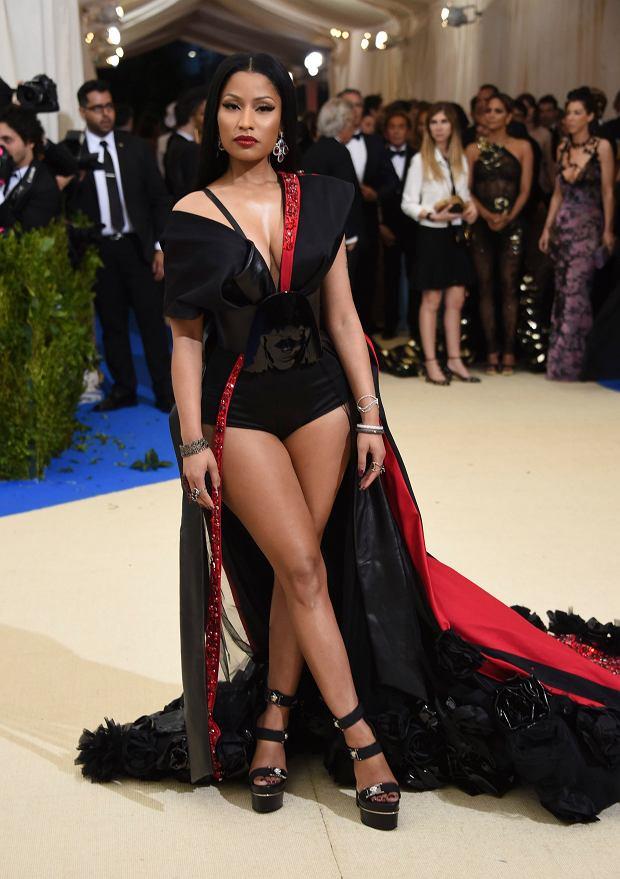 Zdjęcie numer 16 w galerii - MET Gala 2017. Jennifer Lopez z nowym partnerem i Rihanna w najdziwaczniejszej kreacji wieczoru