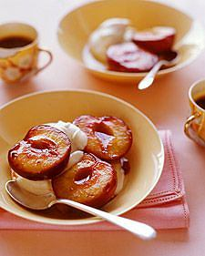 Śliwka pieczona to doskonały pomysł na lekki deser