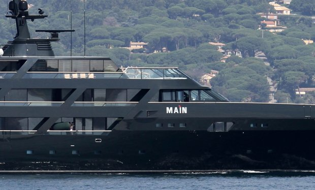Giorgio Armani on Holidays in St Tropez, France On June 26, 2010 ID NUMBER : 0203696 Giorgio Armanis yacht (luxury boat)