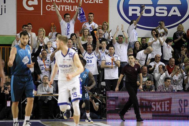 Zdjęcie numer 0 w galerii - Koszykarze wygrali w Radomiu 90:89 i powalczą o medale [ZDJĘCIA]