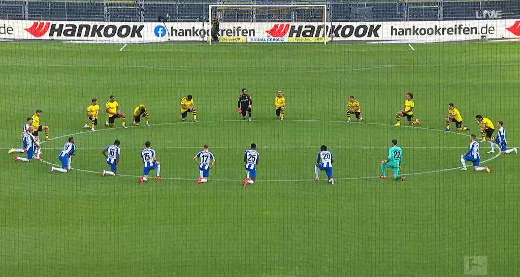 Piłkarze Borussii Dortmund i Herthy Berlin
