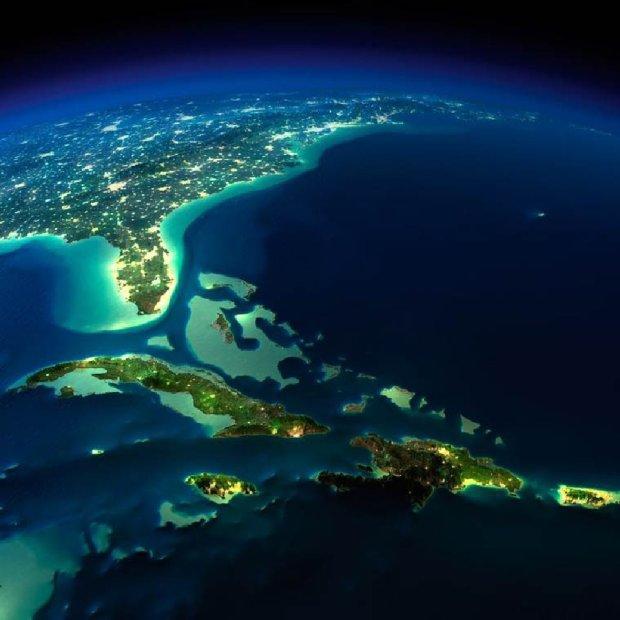 Zdjęcie numer 0 w galerii - Nocne krajobrazy Ziemi widzianej z kosmosu. Nowe zdjęcia NASA
