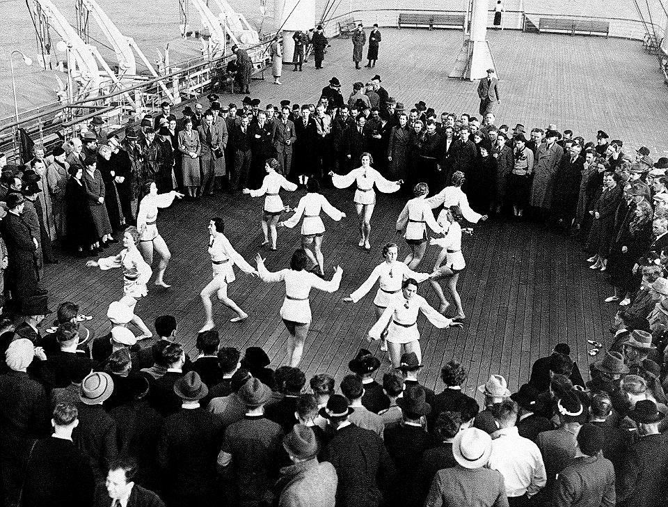 Ponad 1000 austriackich robotników na zorganizowanym przez KdF dwudniowym rejsie po Morzu Północnym na pokładzie parowca 'Wilhelm Gustloff', 24-25 marca 1938 r.