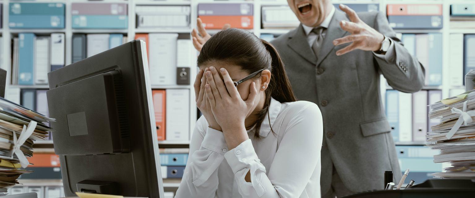 Mobbing w pracy (zdjęcie ilustracyjne) (fot: Shutterstock.com)