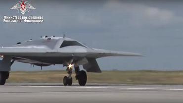 Rosyjski dron Su-70 Łowca
