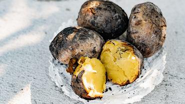 Ziemniaki pieczone w ognisku
