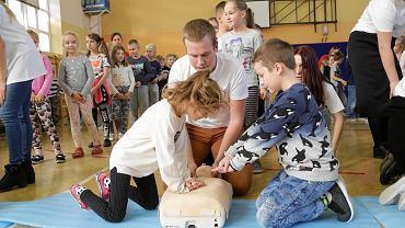 Pierwsza pomoc przedmedyczna: Jak prawidłowo udzielać pierwszej pomocy?