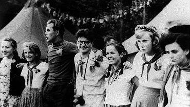 Obóz walterowców. Obok Jacka Kuronia Marcin Kula