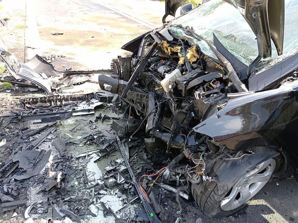 Wielkopolska. W wypadku zginęło 6-letnie dziecko. Cztery osoby są ranne. Droga jest zablokowana