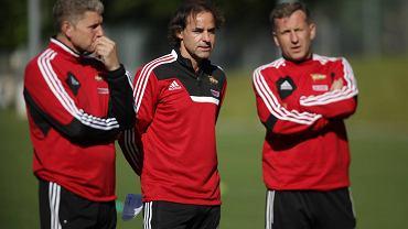 Tomasz Unton (z prawej) w towarzystwie byłego trenera Lechii Joaquima Machado oraz Ryszarda Robakiewicza