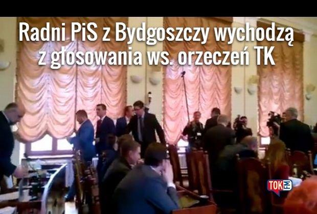 Radni PiS wychodzą z głosowania