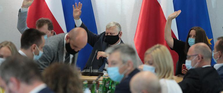"""PiS obawia się """"opcji atomowej"""" ws. TVN. Wciąż jednak idzie na starcie"""