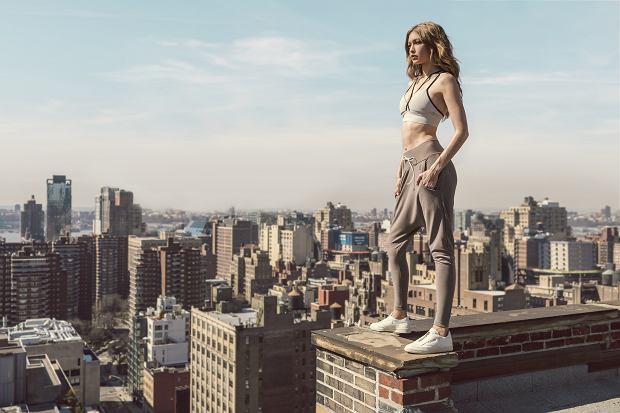 Gigi Hadid w kampanii reklamowej butów Reebok Club C Zip