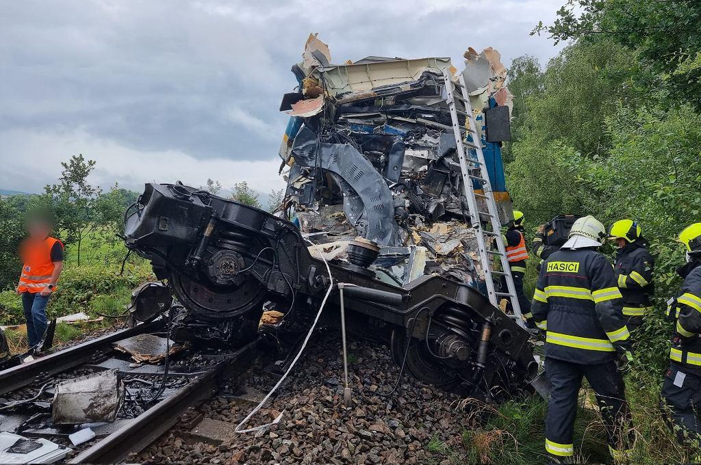 Czechy. Czołowe zderzenie dwóch pociągów. Nie żyją dwie osoby