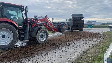 """""""Piątka Kaczora rolnictwo zaora"""". AgroUnia protestuje na drogach w całym kraju. """"Polska stanie"""""""