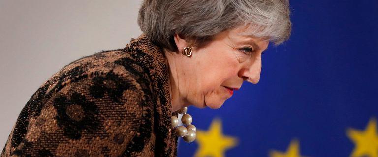 Theresa May przesuwa głosowanie ws. brexitu na styczeń