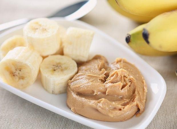 banan z masłem orzechowym