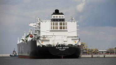 Amerykański gazowiec Clean Ocean przypłynął z pierwszą dostawą amerykańskiego gazu skroplonego do terminalu LNG w Świnoujściu, 8 czerwca 2017.