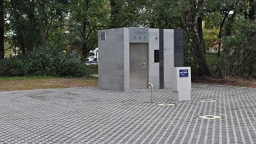 Plac cyrkowy w parku Słowiańskim po budowie podziemnych zbiorników retencyjnych