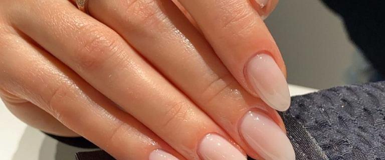 Te paznokcie na zimę to ulubiony trend Polek! Świetna alternatywa dla klasycznego french manicure