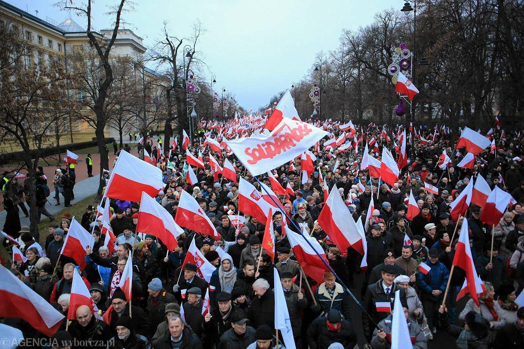 Marsz PiS w Obronie Demokracji i Wolności Mediów w rocznicę wprowadzenia stanu wojennego