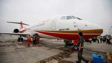 Chiński samolot COMAC ARJ-21