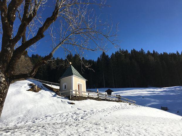 W Alpach są specjalne kapliczki dla dzieci za wcześnie urodzonych