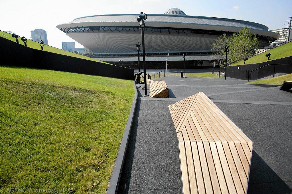 Katowice, Międzynarodowe Centrum Kongresowe, w tle Spodek / Katowice, Międzynarodowe Centrum Kongresowe/Fot.DAWID CHALIMONIUK AGENCJA GAZETA