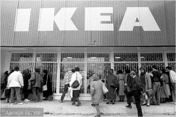 Otwarcie pierwszej w Warszawie salonu IKEA, mieściła się na Ursynowie.