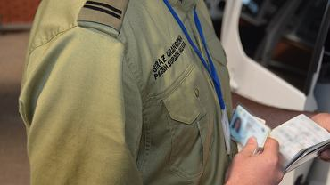 Kontrola graniczna prowadzona przez funkcjonariusza SG