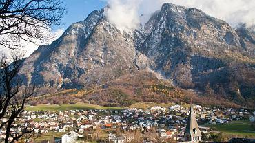 Księstwo Liechtensteinu jest przepięknie położone w Alpach, nad górnym Renem.