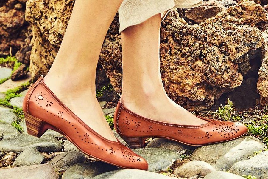 ażurowe buty