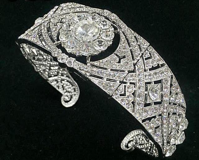 Replika ślubnej tiary Meghan Markle
