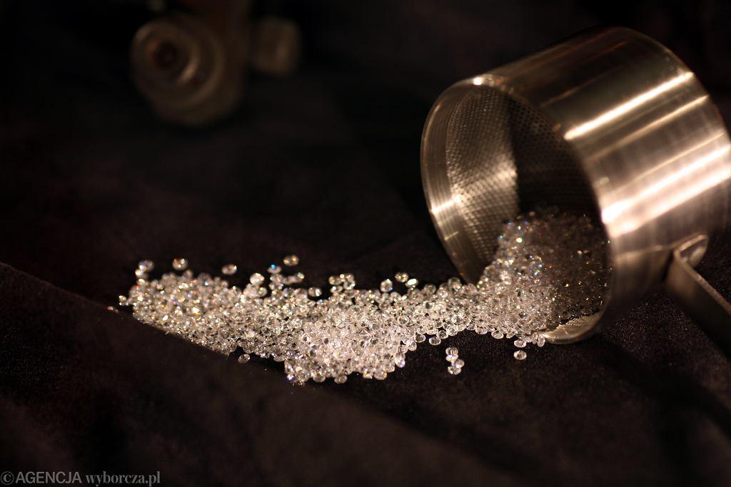 Koronawirus uderzył w rynek diamentów