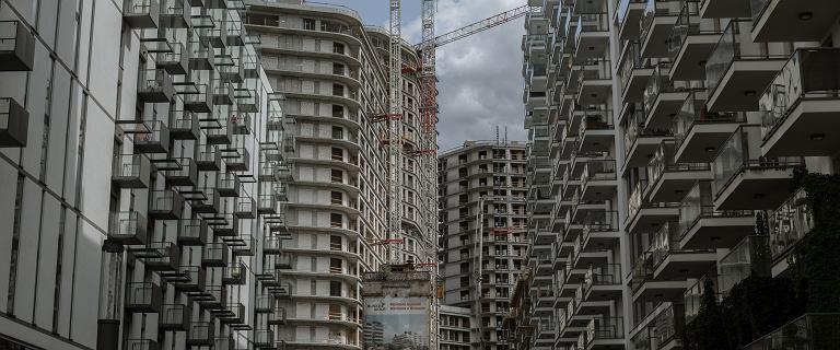 """Deweloper """"warszawskiego Hongkongu"""" odpowiada na krytykę"""