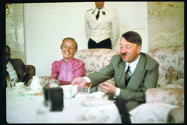 Hitler lubił kobiety pulchne, ale nie grube. Włosy blond, średni wzrost, typ rzecz jasna nordycki. Zadbane