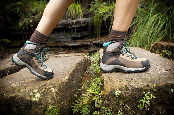 Buty trekkingowe letnie - niezbędne przy wyjściu w góry i długich, pieszych wycieczkach
