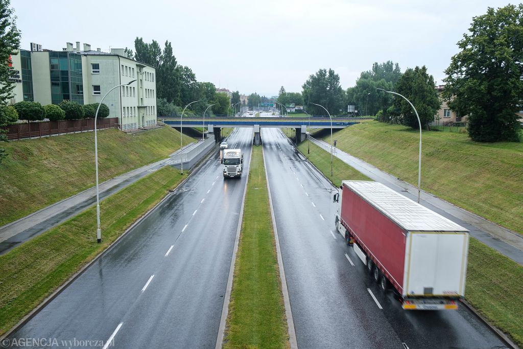 Samochody ciężarowe, zdjęcie ilustracyjne