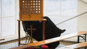 Ksiądz Jacek W. został prawomocnie skazany za molestowanie 15-latki
