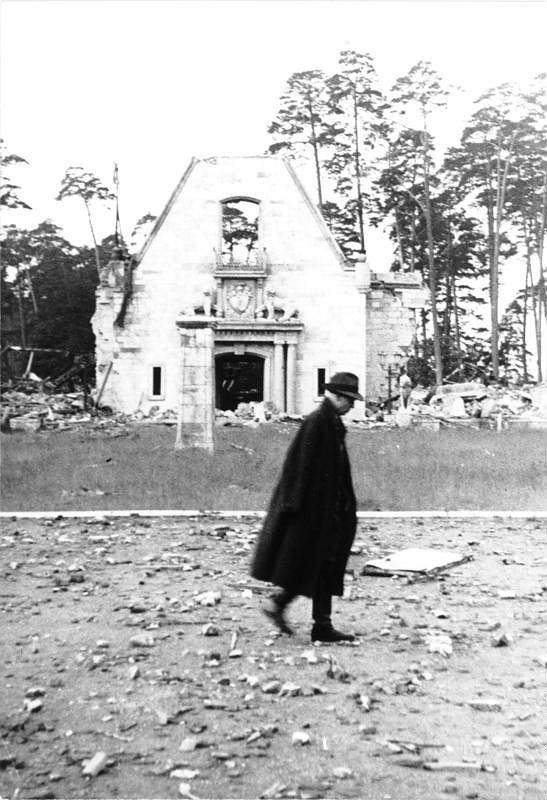 ADN-ZB/DonathKarinhall' [Carinhall] im Bez. Frankfurt/Oder zerstrt; ehemals Sommersitz des fhrenden Hitlerfaschisten H. Gring.Aufn. v. 1947