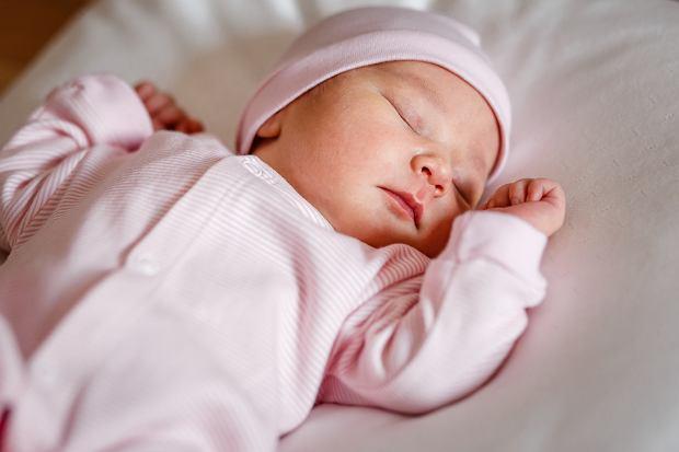 Najpopularniejsze imiona dla dzieci na świecie. W wielu krajach wygrywają te same. Są krótkie planetarne i księżycowe