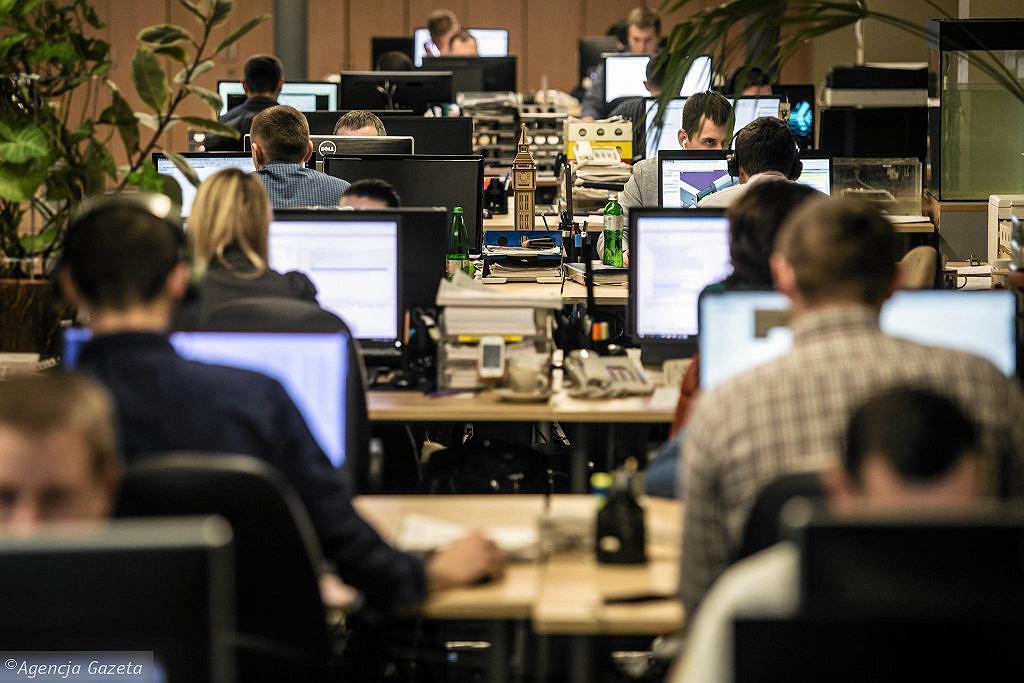 WHO. Nadgodziny powodują śmierć setek tysięcy ludzi rocznie. 'Żadna praca nie jest warta ryzyka choroby' (zdjęcie ilustracyjne)