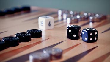 Niemcy. Ciemne kostki do gry będą wycofane przez jedno z wydawnictw (zdjęcie ilustracyjne)